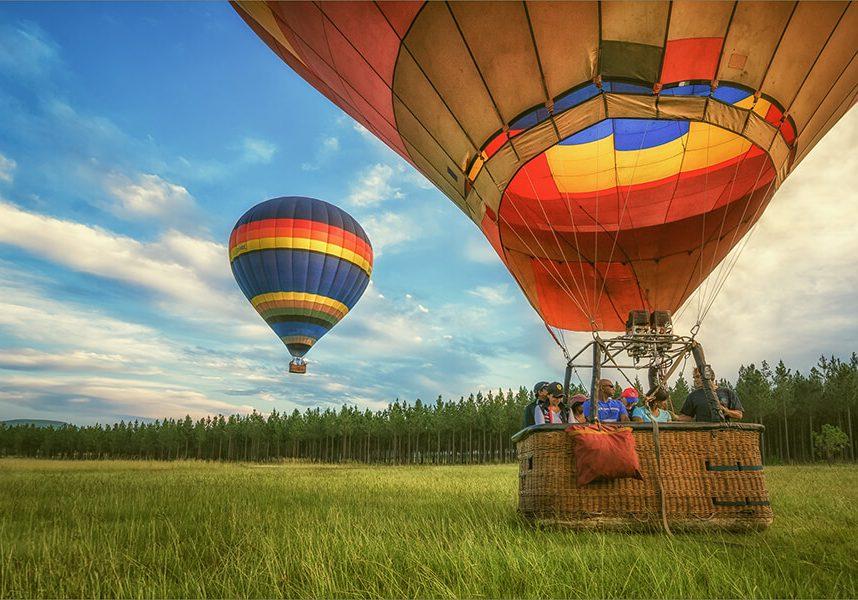 5965a0f5dd77b-Champagne david mullin ballooning